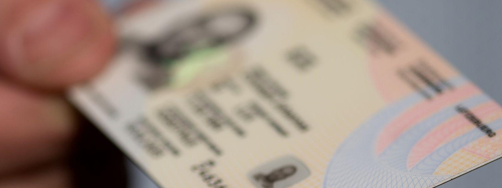 Ausweise verlieren nach dem 1. März ihre Gültigkeit nicht mehr. In dringenden Fällen können auch neue Dokumente ausgestellt werden.