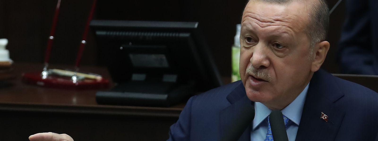 Recep Tayyip Erdogan hat viele Wahlen gewonnen. Aber jetzt laufen ihm die Wähler davon.