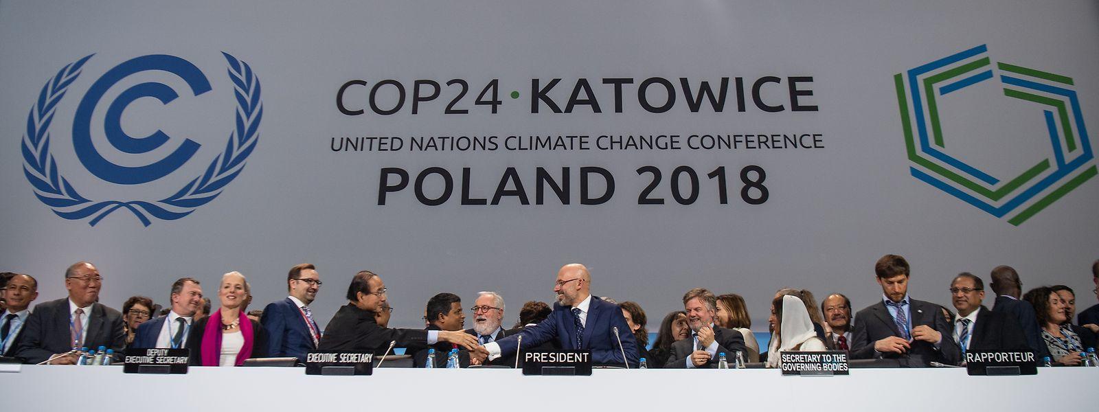La décision finale de la COP se limite de fait à «répéter la demande de mise à jour» des engagements d'ici 2020, déjà formulée dans l'accord de Paris. Elle «insiste sur l'urgence d'une ambition accrue», sans calendrier.