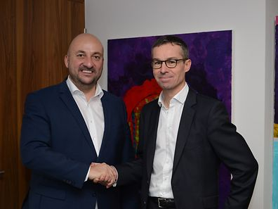 Founder and CEO of Doctena Patrick Kersten (right) and Luxembourg Minister of Economy Etienne Schneider