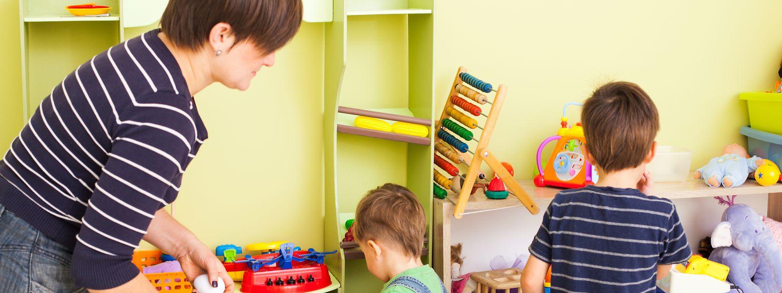 Les jouets préférés de chaque enfant sont désormais soigneusement séparés et rangés dans des bacs différents