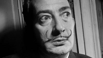 Salvador Dali wird knapp drei Jahrzehnte nach seinem Tod exhuminiert.
