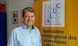 Michel Dauphin ist seit Ende 2020 Präsident der ALUC. Um den Neustart des Vereins zu besiegeln, hat die Organisation unter anderem mit einem neuen Logo an ihrer visuellen Identität gearbeitet.
