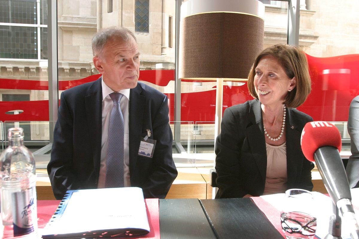 Vytenis Andriukaitis, Commissaire européen pour la Santé et la Sécurité alimentaire et Lydia Mutsch, ministre de la Santé au Luxembourg.