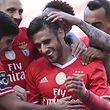 Eduardo Salvio celebra o seu golo com os compenheiros