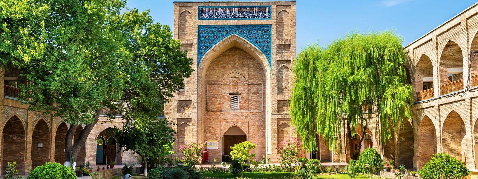 Die 1570 erbaute Kukaldasch-Medresse in der Hauptstadt Taschkent wird derzeit wieder als Bildungsanstalt genutzt. Zuvor diente sie zwischenzeitlich als Herberge und Museum.
