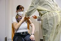 Claudia Holzwarth aus dem Pflegeheim Bei der Sauer in Diekirch wurde am Mittwoch geimpft.