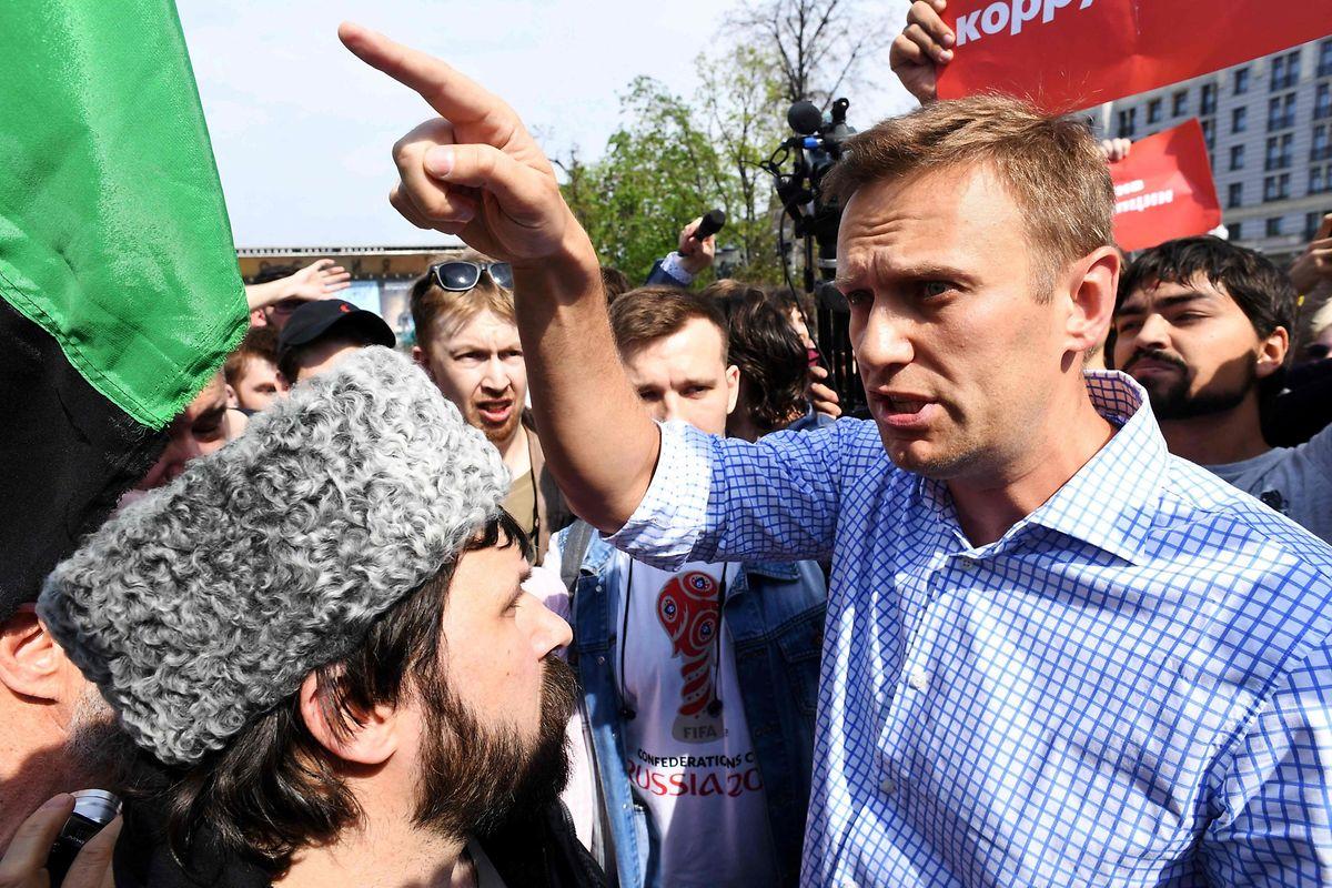 Bei seiner Ankunft in Moskau wurde Nawalny festgenommen. Nach einem Gerichtsprozess sitzt er nun in einem russischen Straflager.