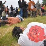 Jovem perde mão em confrontos com a polícia numa rave ilegal na Bretanha