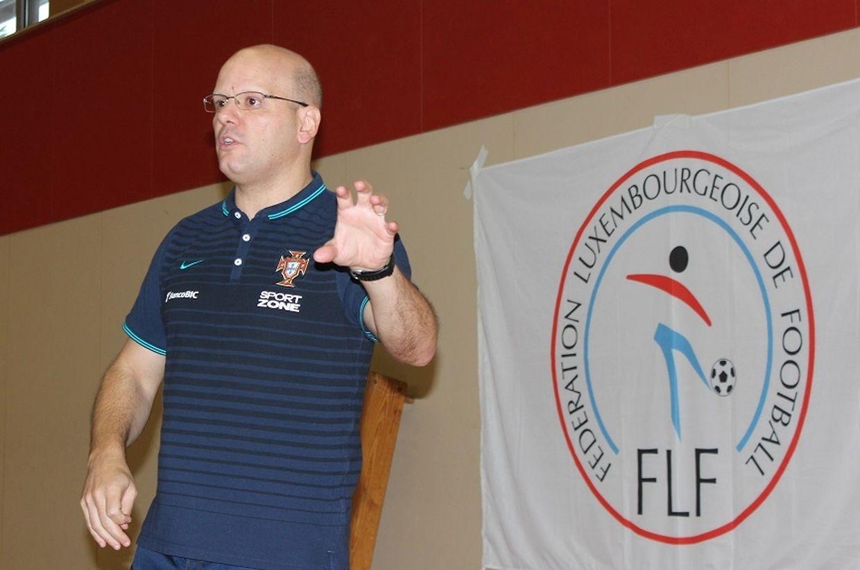 A formação de futsal para treinadores no Luxemburgo foi um êxito