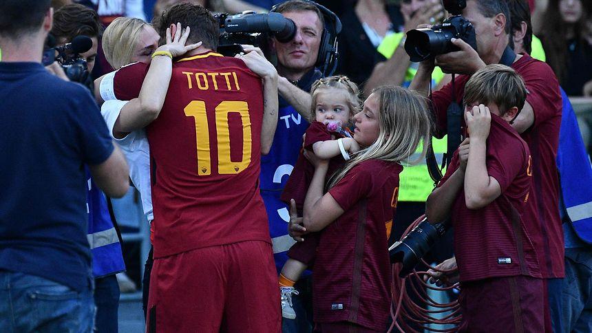 Ilary Blasi hat ihren Mann Francesco Totti im Griff.