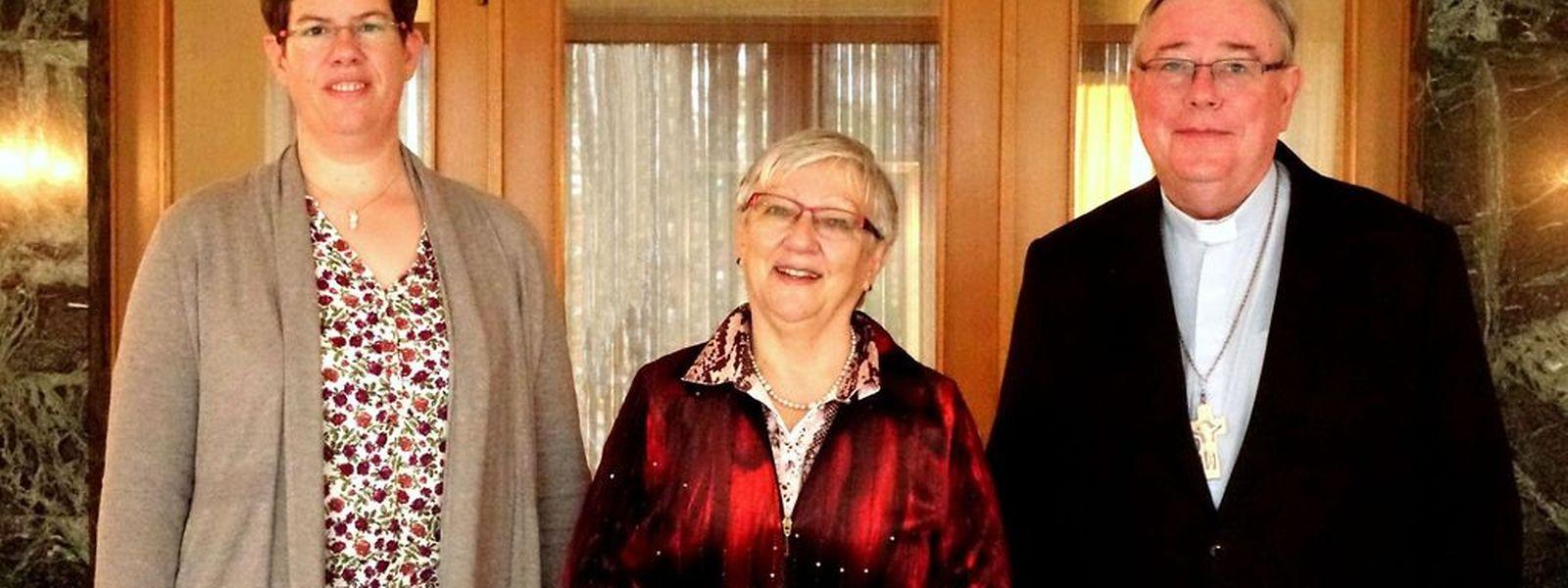 Martine Jungers (l.) übernimmt die Stelle von Yvonne Lanners. Erzbischof Jean-Claude Hollerich war bei der offiziellen Amtsübergabe dabei.