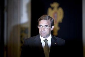 Apesar de quatro anos muito impopulares marcados por uma austeridade dura e profunda, o primeiro-ministro Passo Coelho foi reeleito no domingo