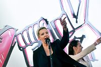 In this picture taken on July 30, 2020 Maria Kolesnikova, Viktor Babaryko's campaign chief, gestures as she speaks during a campaign rally of presidential candidate Svetlana Tikhanovskaya in Minsk. - Belarus investigators said on September 9, 2020 prominent opposition figures Maria Kolesnikova and Maxim Znak had been detained in a national security probe as Minsk ramped up a crackdown on a protest movement. (Photo by Sergei GAPON / AFP)