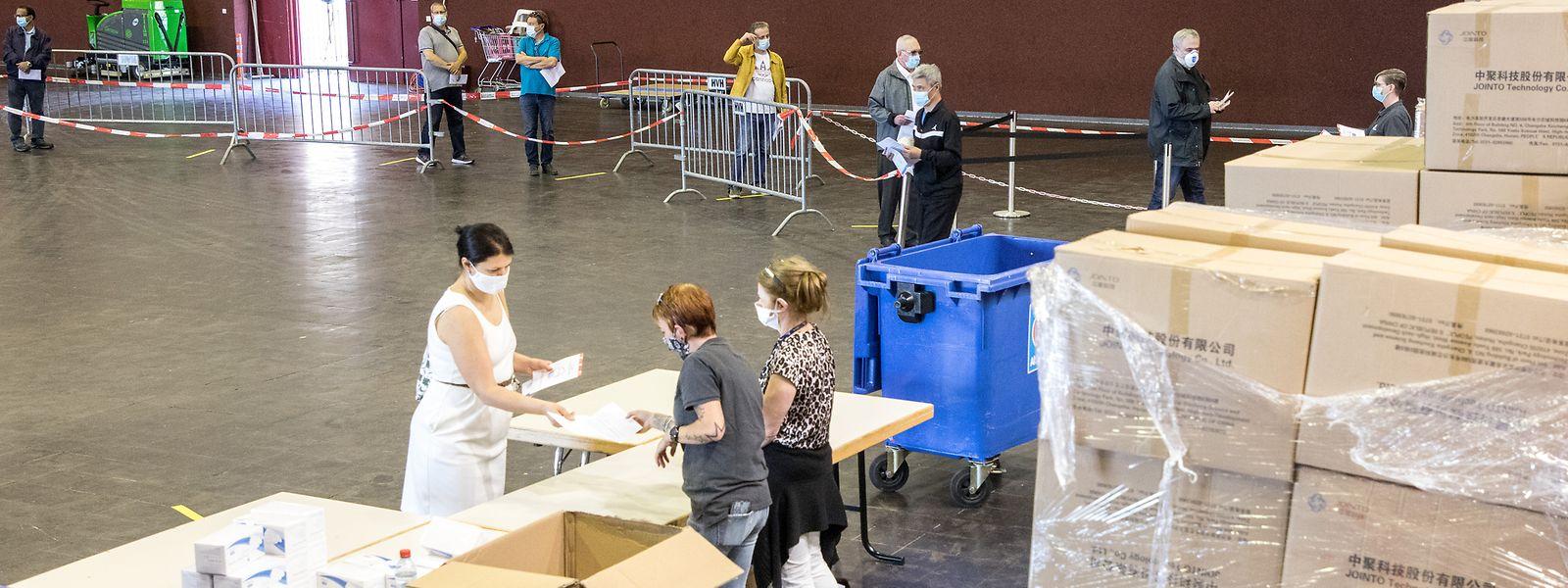 Le Hall Victor Hugo, à Luxembourg, avait déjà servi de site à la distribution de masques. Cette fois, il sera mobilisé pour devenir centre de vaccination.