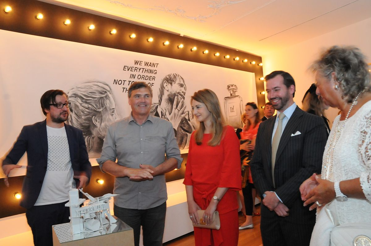 Filip Markiewicz (à g.) présente son «Paradiso Lussemburgo» en 2015 à la Ca' del Duca à la Biennale de Venise.