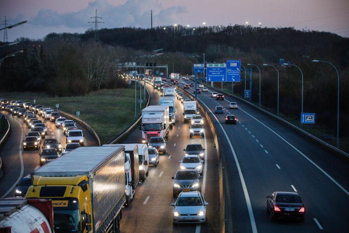 François Bausch assure qu'à l'horizon 2023 la circulation s'améliorera au Luxembourg.