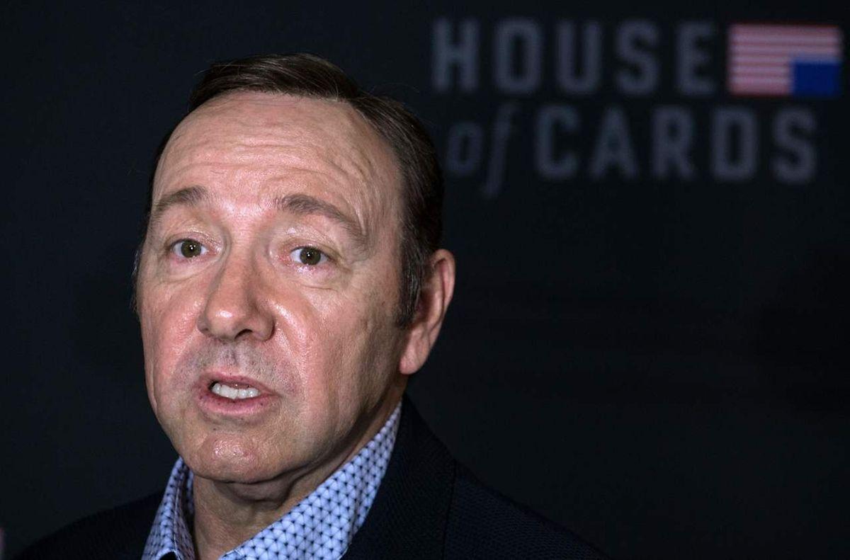 """Kevin Spacey, bekannt aus der Serie """"House of Cards"""", in der er einen skrupelosen US-Präsidenten spielt, musste aufgrund sexueller Vorwürfe die erfolgreiche Serie beenden sehen."""