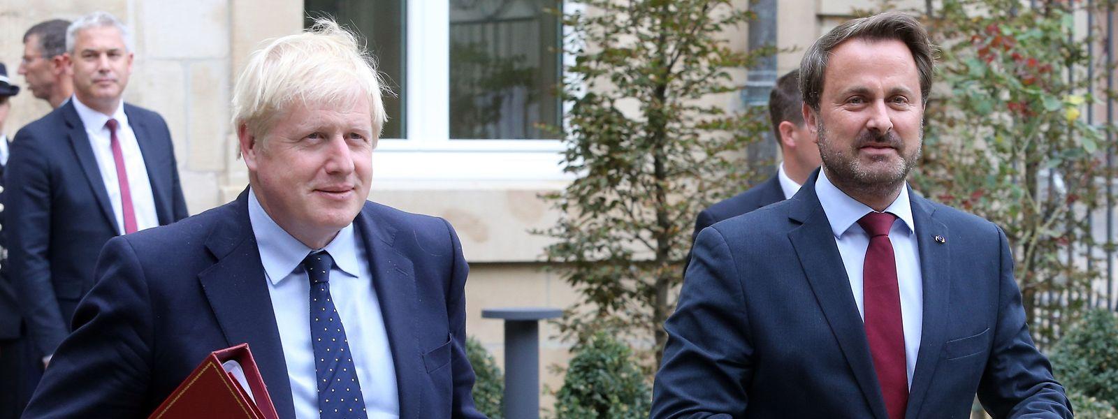 Boris Johnson et Xavier Bettel. A l'issue de leur entretien. Seul le Premier ministre luxembourgeois se présentera en conférence de presse.