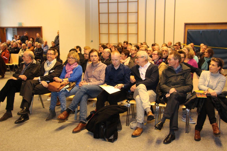 Bei der Informationsversammlung am Dienstagabend in Neudorf war der Andrang groß.
