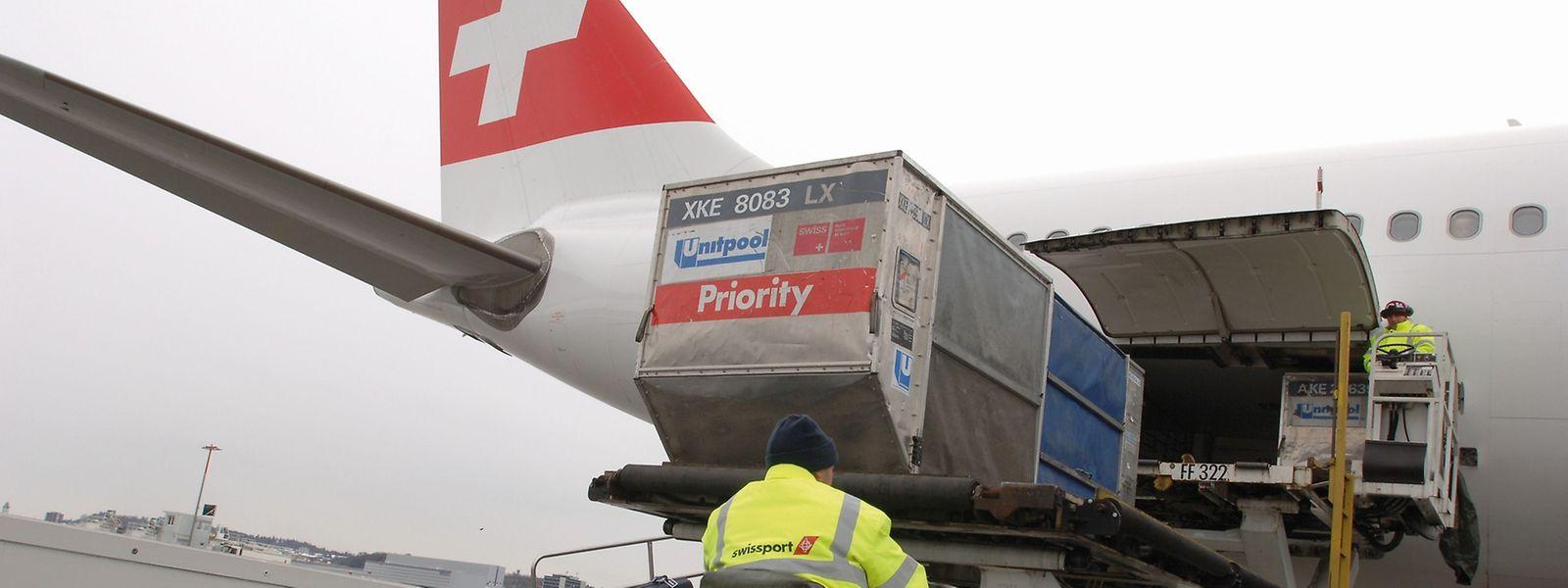 Swissport soll nach Vollzug der Übernahme, die noch von den Wettbewerbsbehörden genehmigt werden muss, als eigenständiges Unternehmen in der HNA-Gruppe operieren.