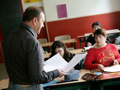 Os professores vão ter à disposição conteúdos, metodologias e uma pedagogia de ensino e aprendizagem para responder às necessidades dos estudantes que acompanham os fluxos migratórios de carácter temporário