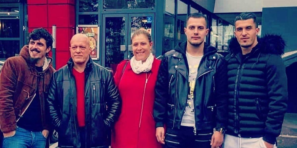 Dany Mota (à direita) com os pais e os irmãos