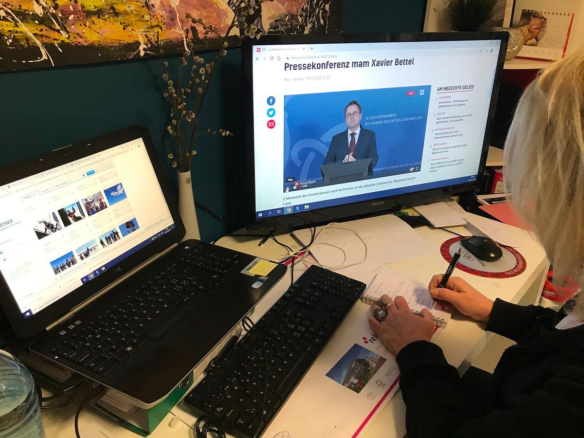 Die Journalisten verfolgten die Pressekonferenz im Live-Stream von zu Hause oder ihrem Büro aus.