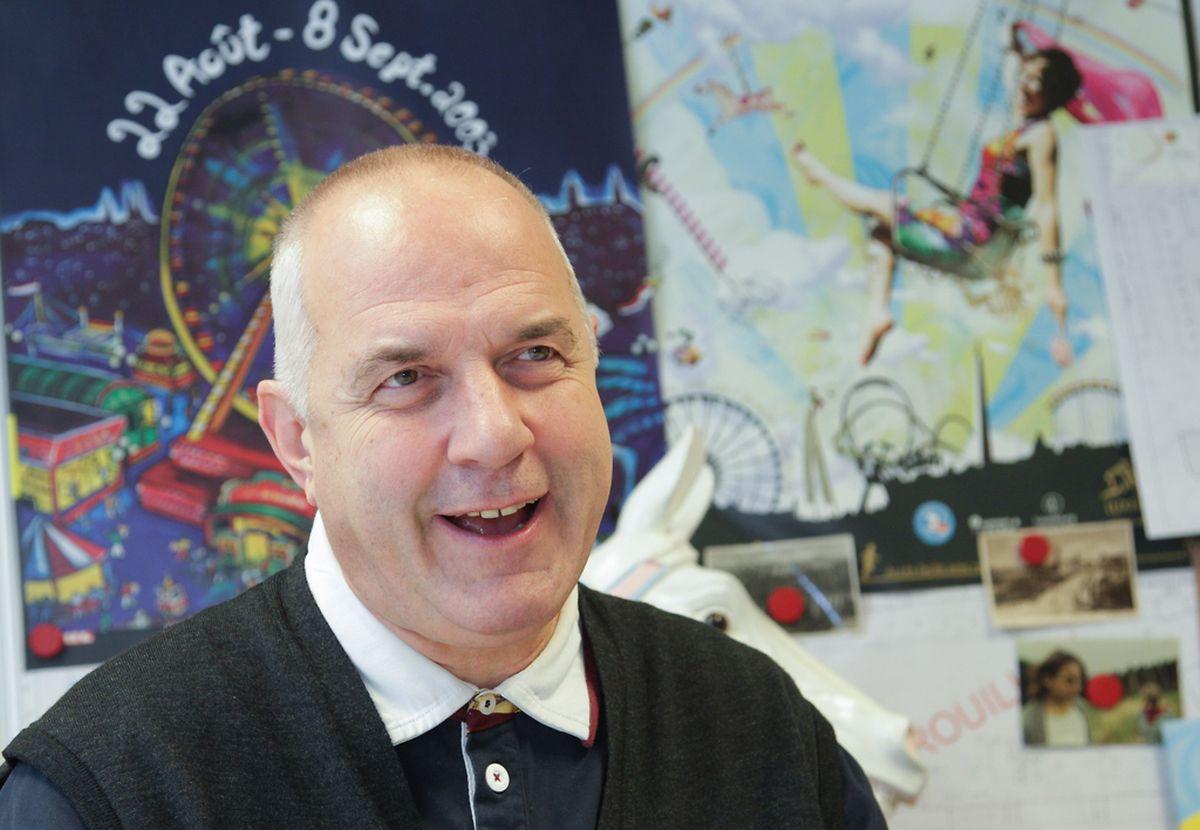 """Marc Weydert vom """"Office des Fêtes, Foires et Marchés"""" ist für die Platzvergabe auf den Weihnachtsmärkten zuständig."""