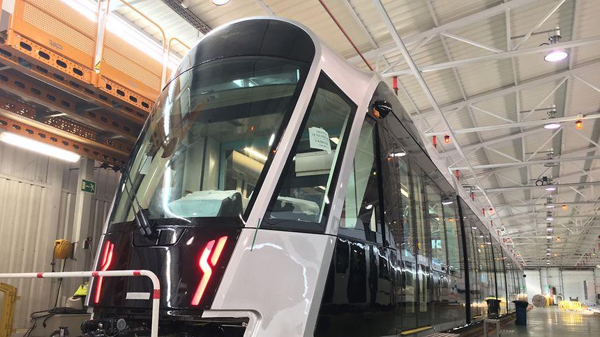 La première rame du Tram luxembourgeois est parachevée dans les ateliers de Saragosse. Elle sera livrée le mois prochain à Luxembourg.