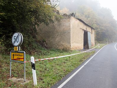 The CR159 is closed as a barn threatens to collapse into the road