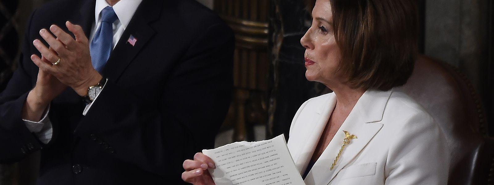Nancy Pelosi a avoué avoir fait ce geste «parce que c'était la chose la plus courtoise à faire, par rapport aux alternatives»