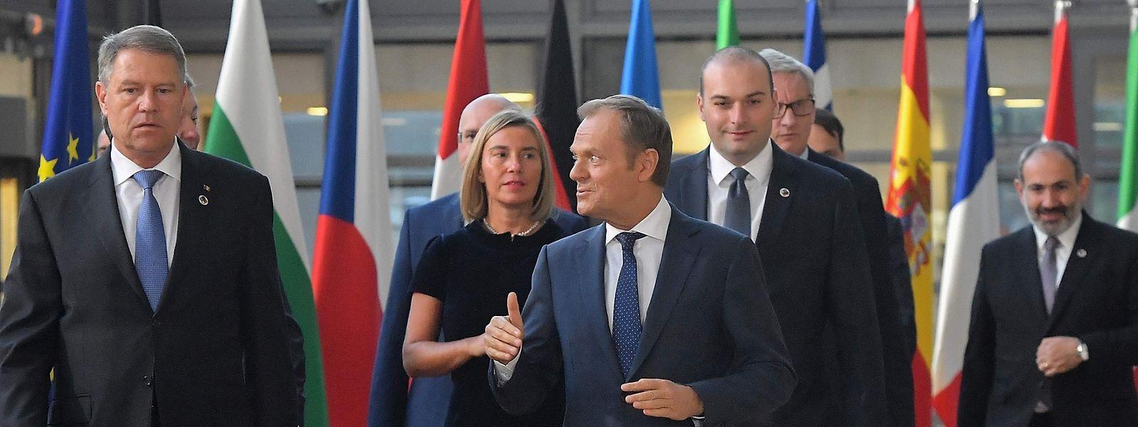 Donald Tusk (3.v.l.) hatte die Staats- und Regierungschefs der östlichen Partnerländer zu einem Abendessen eingeladen.