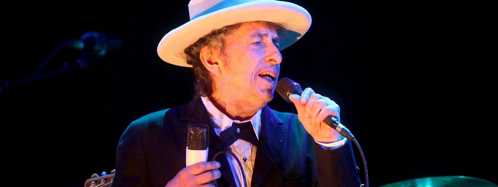 Nach einer langen Pause, meldet Bob Dylan sich wieder.