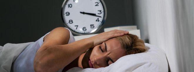 Schlafstörungen können den kompletten Alltag der Betroffenen auf den Kopf stellen.