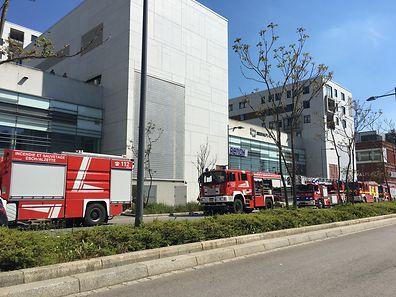 Die Feuerwehren aus Esch/Alzette und Umgebung waren am Einsatzort.