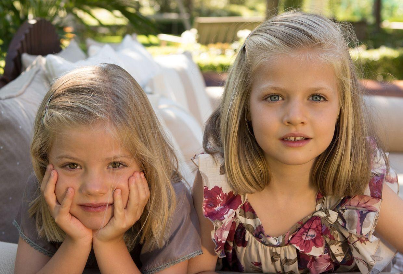 As duas irmãs, Sofia e Leonor, da esquerda para a direita.