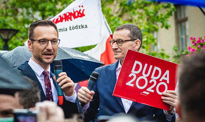 Waldemar Buda (left) with Poland's Prime Minister Mateusz Morawiecki in a photo from last year