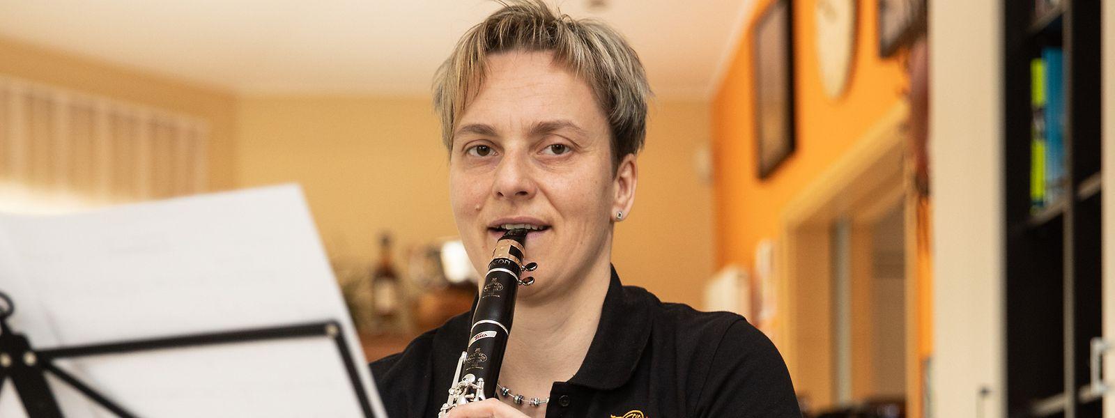 Laurence Zeien ist als Klarinettistin im Schierener und Merscher Musikverein aktiv.