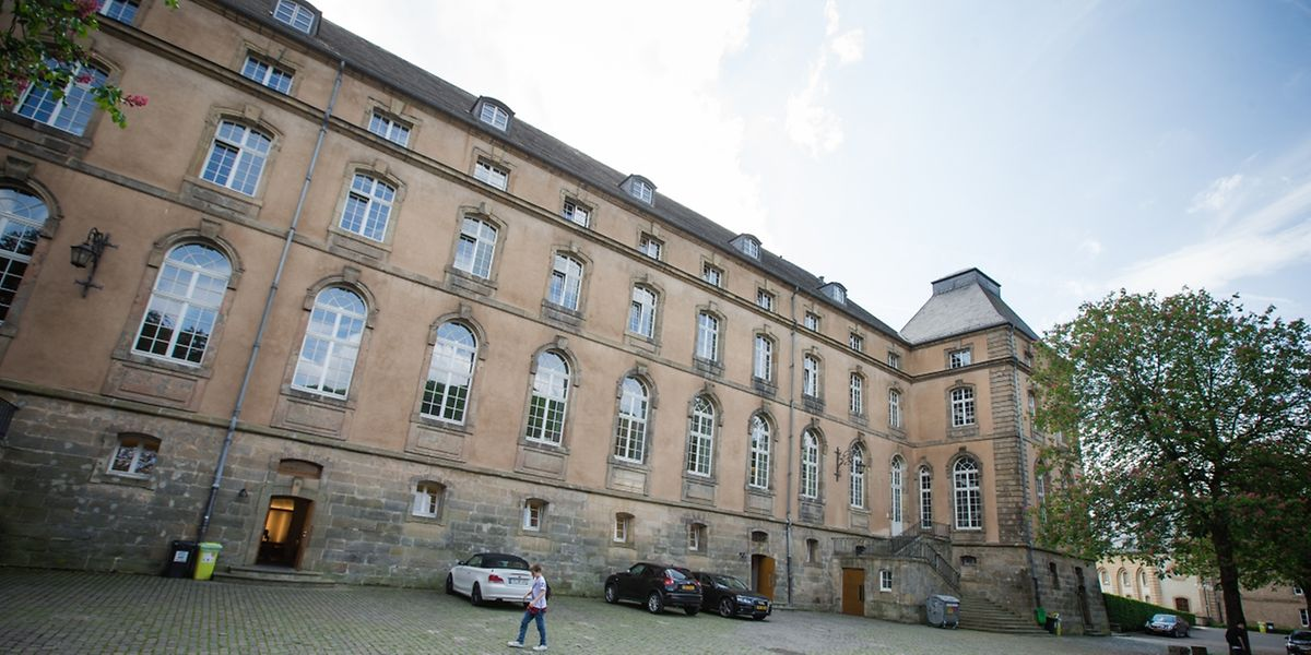 """Das Internat der """"Institution Saint-Willibrord"""" befindet sich einem Flügel der Abtei."""