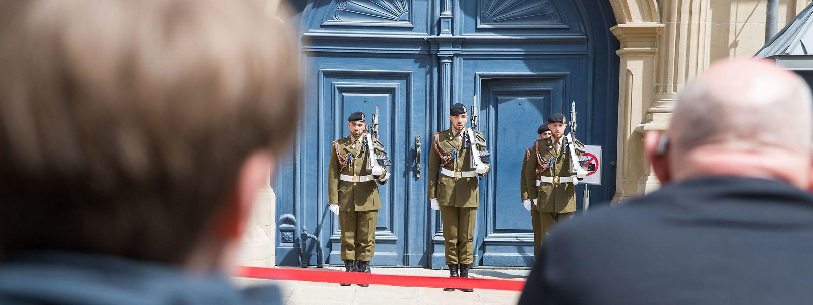 Die Hauptstadt bereitet sich auf die Trauerfeierlichkeiten für den verstorbenen früheren Staatschef Jean vor.