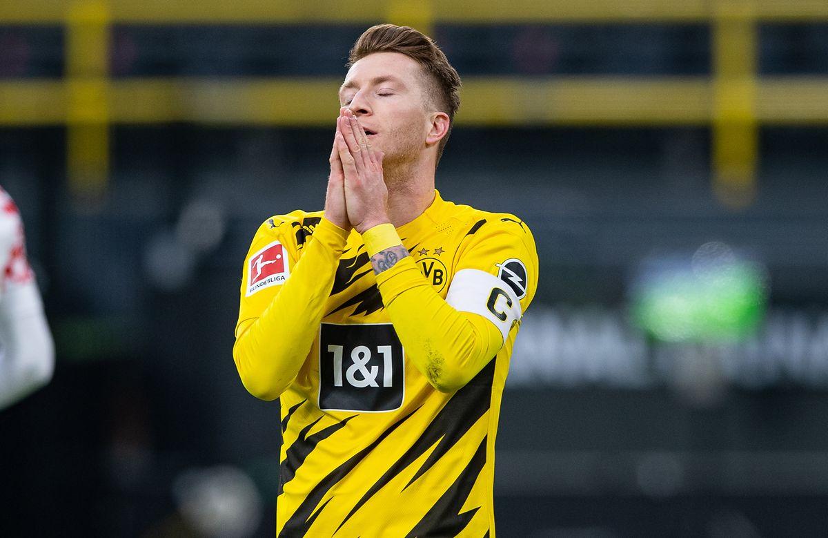 Beim Stand von 1:1 verschießt Dortmunds Marco Reus gegen Mainz einen Elfmeter.