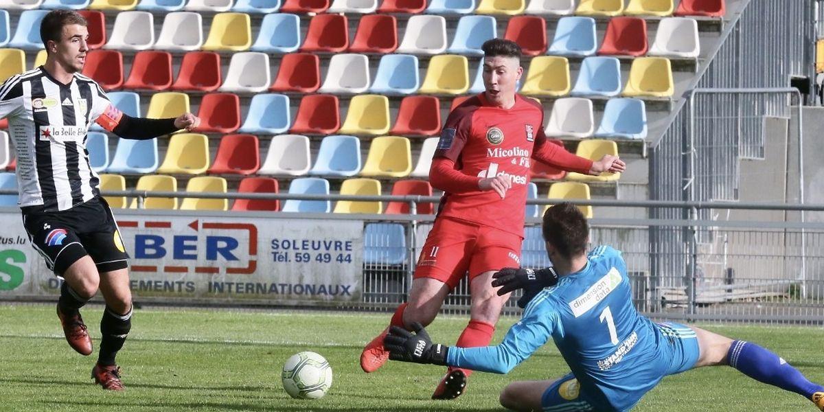 Gauthier Caron offre le premier but à Gonçalo Almeida, mais Differdange ne marquera pas sur cette action.