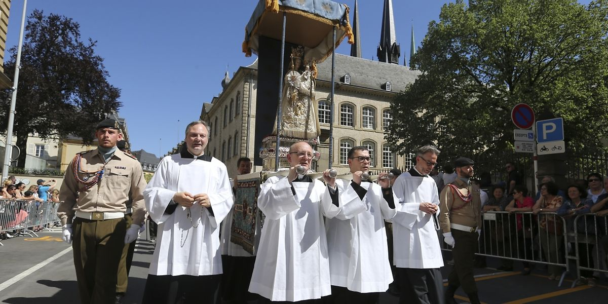 Das Luxemburger Gnadenbild auf dem Weg durch die Hauptstadt.