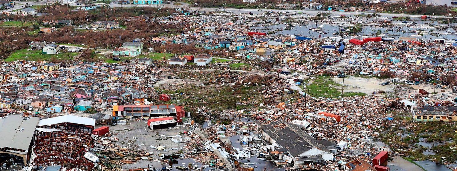 Le bilan est passé de sept à 20 morts sur les îles Bahamas.