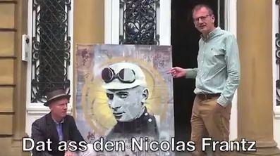 Obschon Marshall das Video fast akzentfrei auf Luxemburgisch kommentiert, wurde es sicherheitshalber mit Untertiteln versehen.