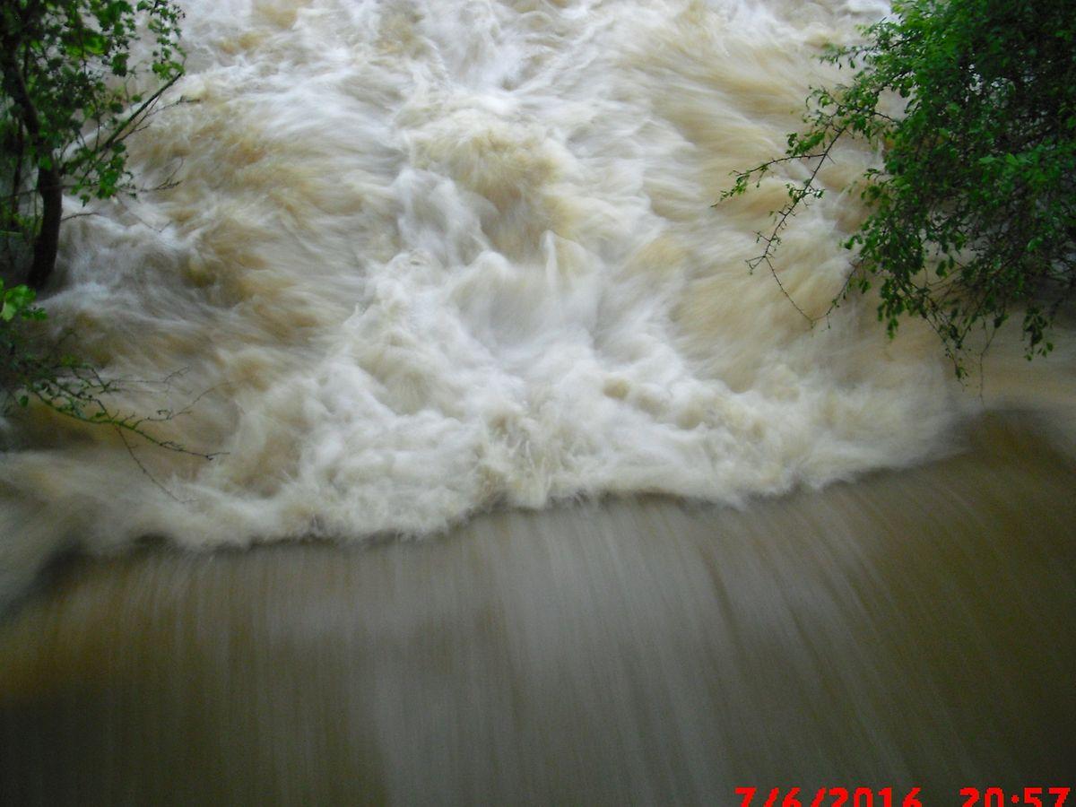 Die Menschen wurden von den Wassermassen überrascht.
