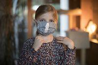Lokales, Corona-Virus, Stéphanie Damm-Krauss näht Stoffmasken mit ihrer Tochter Charlie, Foto: Guy Wolff/Luxemburger Wort