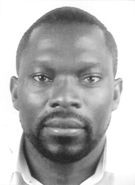 Kingsley Ogwara stammt aus Nigeria und stellte unter anderem 2015 im Differdinger H2O aus.