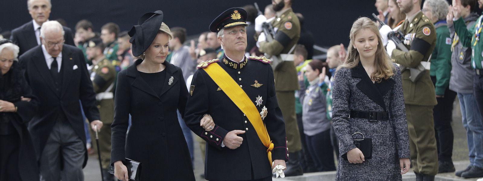 König Philippe von Belgien kam in Begleitung von Gattin Mathilde und Tochter Elisabeth.